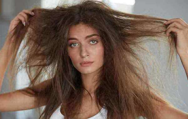 What to Avoid When Looking For the Best Products For Frizzy Hair