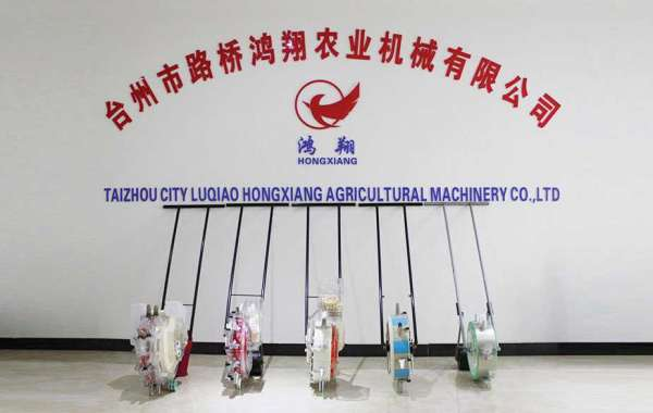 Manual Fertilizer Seeder Promotes Agricultural Modernization